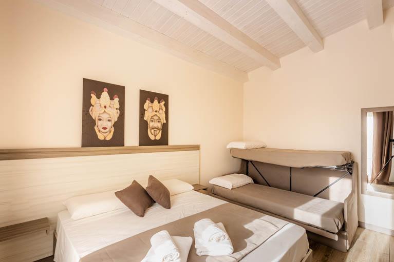 family-room-tramonto-ibleo-resort-avola-1