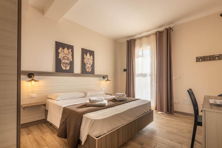 standard-room-camera-matrimoniale-tramonto-ibleo-resort-avola-0