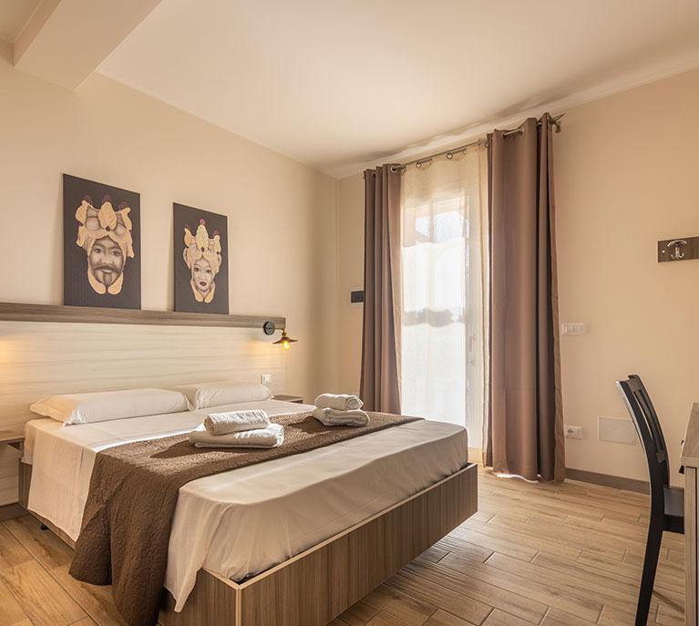 standard-room-camera-matrimoniale-tramonto-ibleo-resort-avola