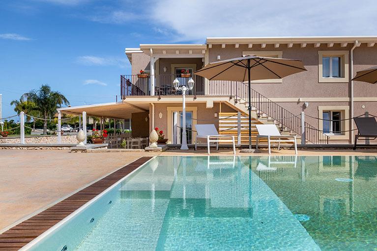 piscina-tramonto-ibleo-resort-avola-12
