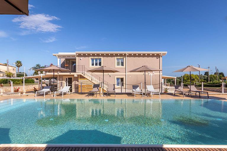 piscina-tramonto-ibleo-resort-avola-17