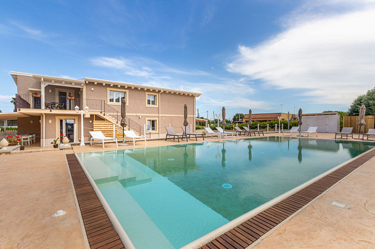 piscina-tramonto-ibleo-resort-avola-2