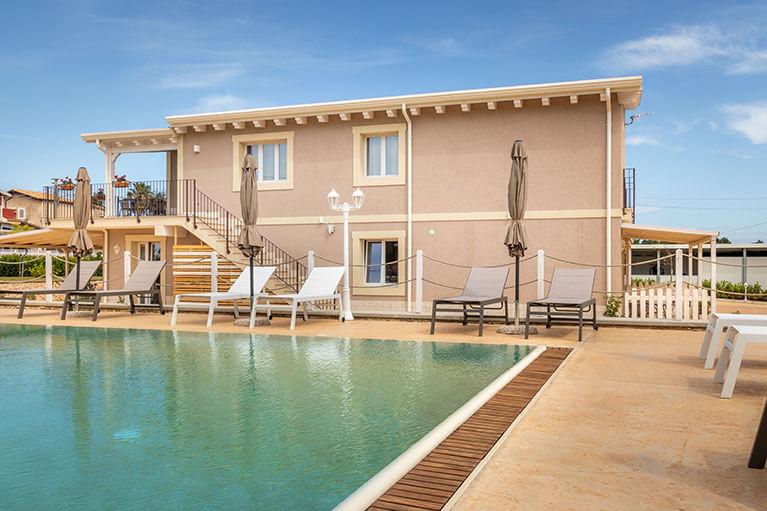 piscina-tramonto-ibleo-resort-avola-4