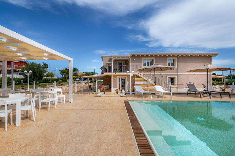 piscina-tramonto-ibleo-resort-avola-6